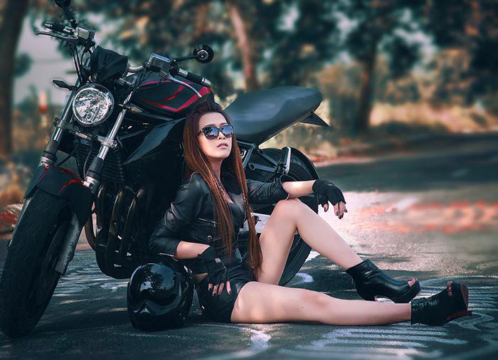 người đẹp Việt bên moto hình 2