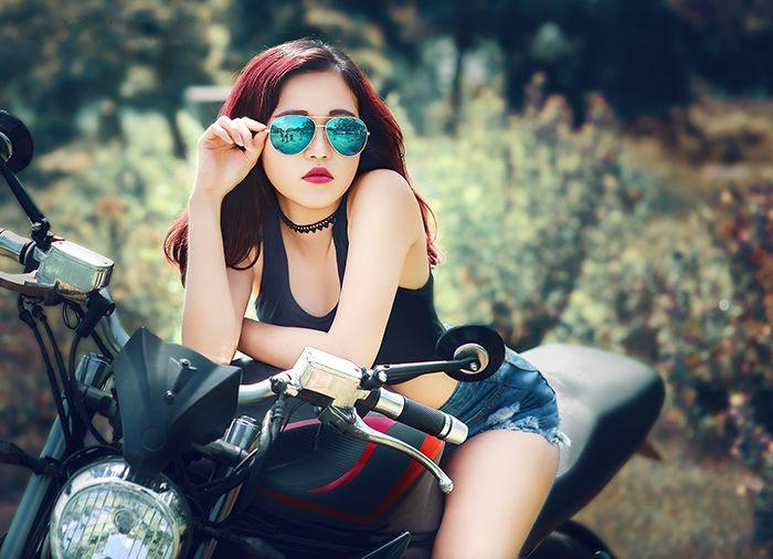 người đẹp Việt bên moto hình 9