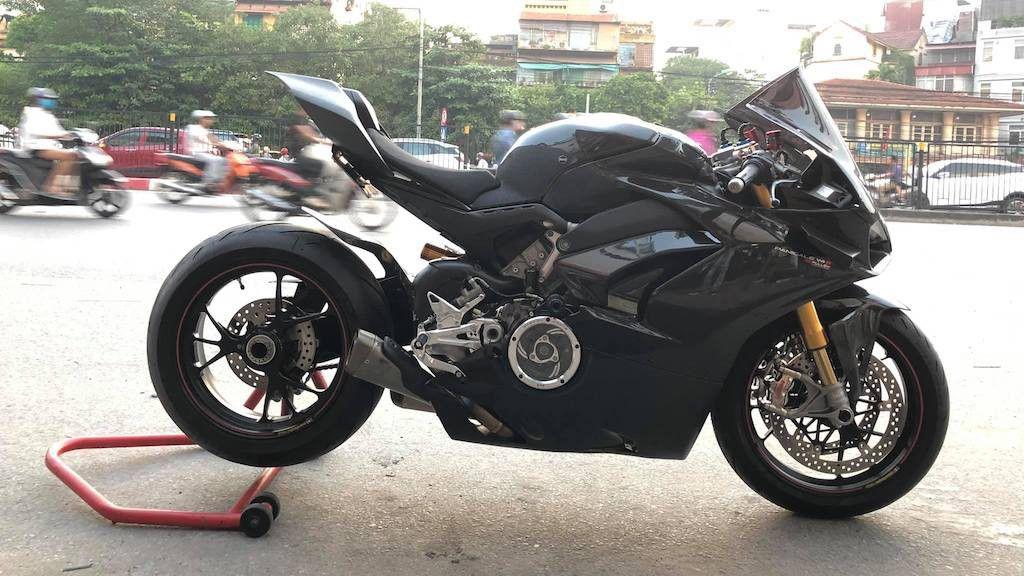 Biker Hà Nội chi hơn 400 triệu độ superbike Ducati Panigale V4 S ảnh 1